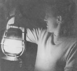 Albert Rasmussen med Hs. Idrætsparks første lysanlæg. Foto fra 1950.