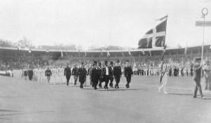 Det danske hold ved indmarchen i Stockholm - OL 1912